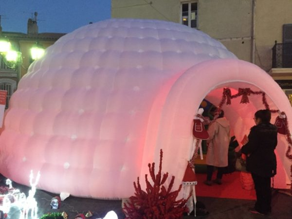 Location Igloo Gonflable lumineux