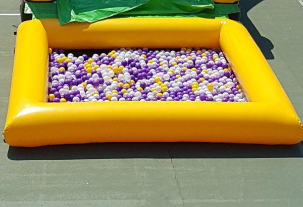 grande piscine à balles